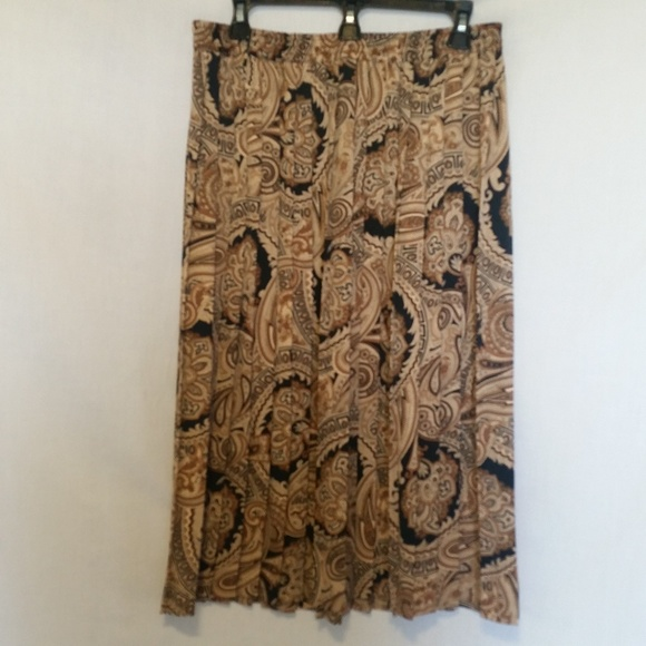 Alfred Dunner Dresses & Skirts - Alfred Dunner Brown/Black Pleated Skirt Size 16P